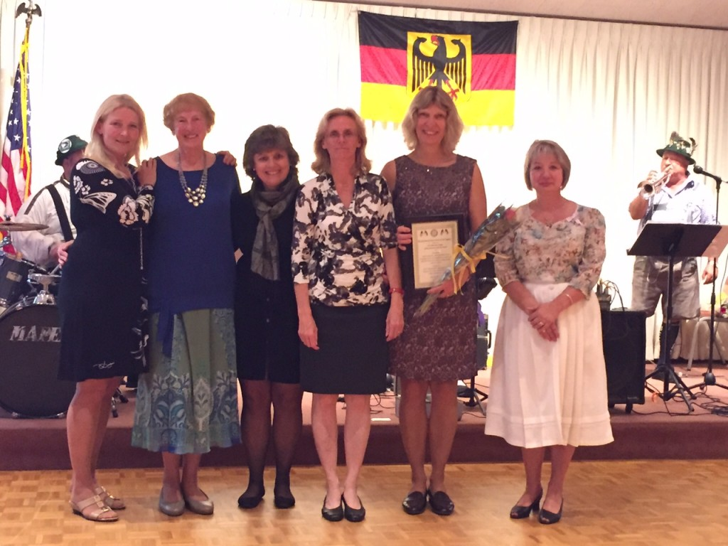 From left to right: Bettina Drew, Eva Maria Chase, Birgit Danckert, Claudia Bonmassar, Uta Fuchs, Heike Hrinishin.